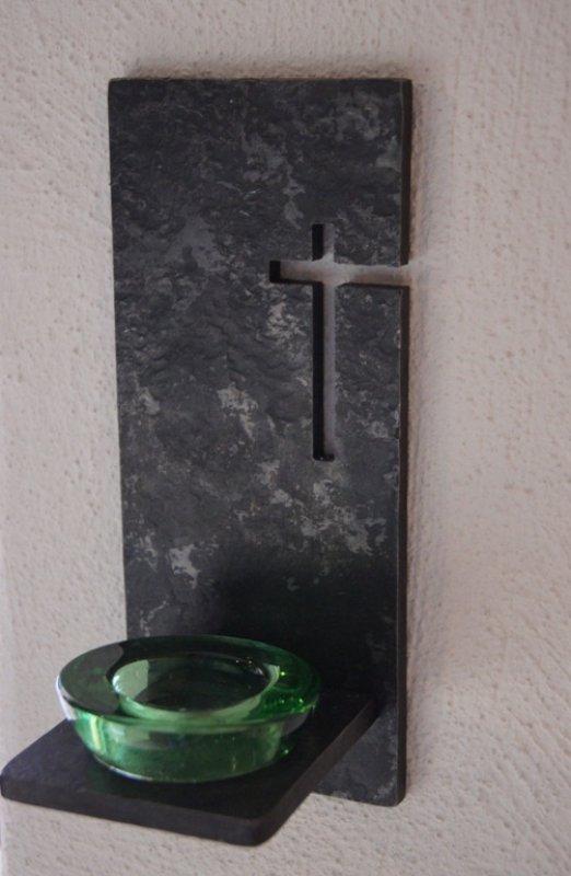 Wandkreuz mit Teelichthalter / Weihwasser Halter